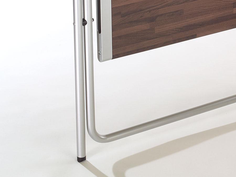 kembo-folding-table-folded-detail